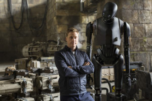 Rogue One: A Star Wars Story..Alan Tudyk on set with his character, K-2SO..Ph: Jonathan Olley..© 2016 Lucasfilm Ltd. All Rights Reserved.