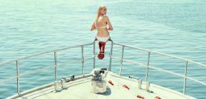 Victora Carmen Sonne Holiday Alamode Film